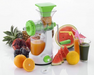 Plastic Fruits and Vegetable Juicer with Steel Handle (Large, Multicolour)